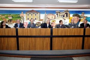Audiência pública que debateu a situação dos hospitais foi uma iniciativa da Comissão de Saúde da Câmara Municipal. A vereadora Noemia Rocha, presidente do colegiado, conduziu os debates. (Foto – Andressa Katriny/CMC)