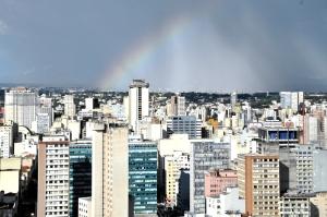 Nesta terça-feira (23), a Comissão de Meio Ambiente e Desenvolvimento discute o projeto do Plano Diretor de Curitiba. (Foto: Chico Camargo/CMC)