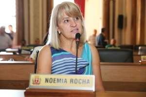 Noemia Rocha (PMDB) também exaltou a figura do pastor Aldebrando e suas atividades em prol dos usuários de drogas. (Foto: Chico Camargo/CMC)