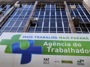 Candidatos devem ir a uma unidade da Agência do Trabalhador com carteira de trabalho e outros documentos (Foto: José Fernando Ogura/ANPr)