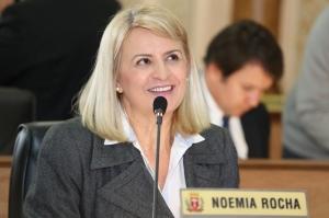 Líder da oposição, Noemia Rocha acredita que as emendas complementam o texto original. (Foto: Andressa Katriny/CMC)