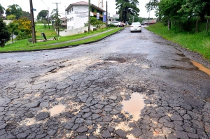 rua_esburacada